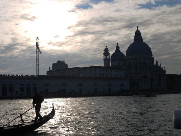 Venise - Punta della Dogana et Eglise Santa Maria della Salute