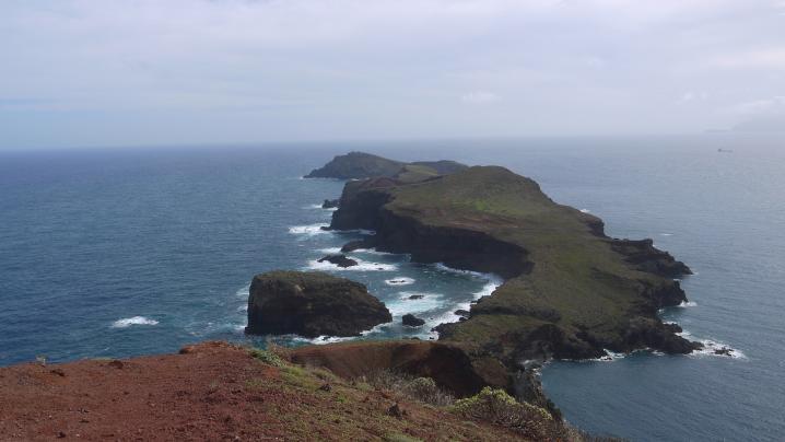 Madère - La pointe de Sao Lourenço - Panorama dégagé sur la pointe de l'île, inaccessible à pied