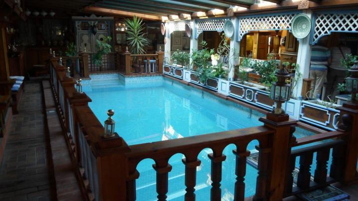 Jardins Secrets - La piscine réservée aux propriétaires des lieux