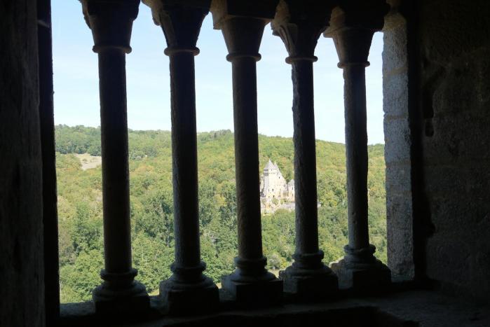 Chateau de Commarque - Colonnettes du XIIème siecle