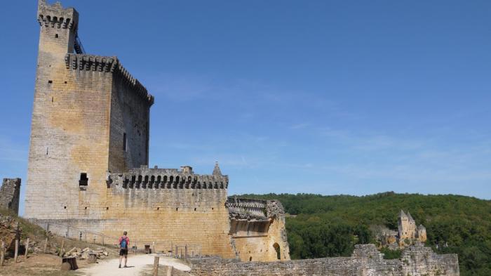 Chateau de Commarque - Donjon vue générale