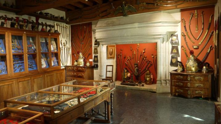 Chateau de Montrottier - Les collections de Léon Marès (Tour des religieuses)