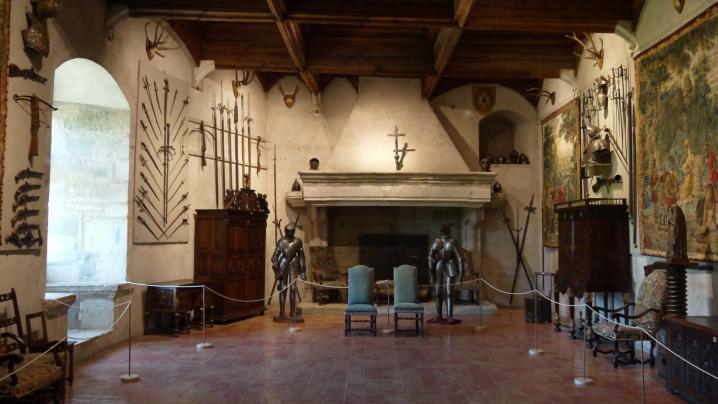 Chateau de Montrottier - Collections de Léon Marès (Salle des chevaliers)