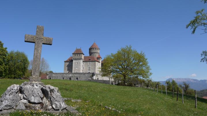 Chateau de Montrottier - Tombe de Léon Marès