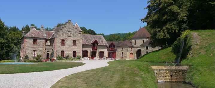 Chateau de Pupetieres - Les communs