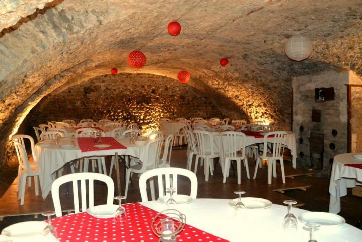 Chateau du passage cave pour reception
