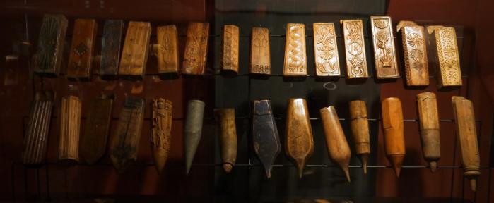Coffin vitrine musee dauphinois