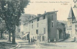 Tullins -  Carrefour de la Place d'armes et de l'Eglise