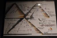 Dessins preparatoires du vaisseau pyramide de stargate