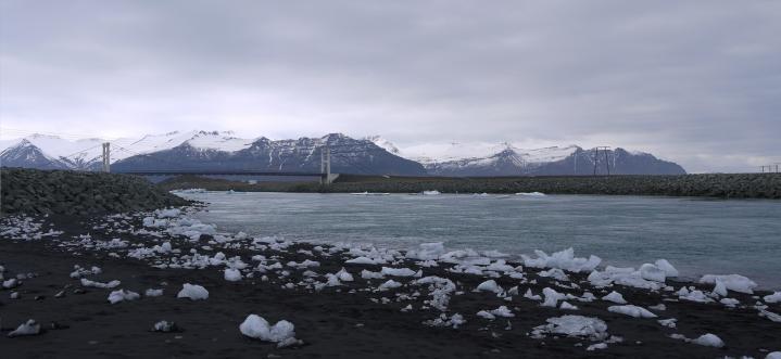 Islande - Embouchure de la lagune glaciaire de Jökulsarlon