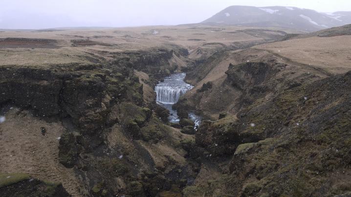 La rivière Skoga prend sa source dans deux glaciers mais nous ne remonterons pas jusqu'à eux !