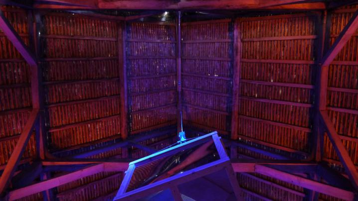 La Grange Dimière - Coup d'oeil sous la toiture