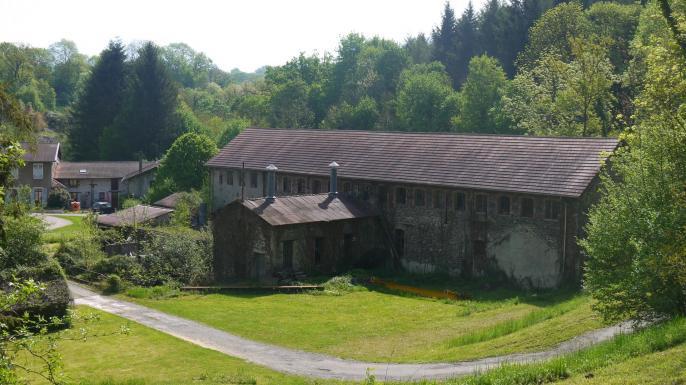 Ancienne papeterie de la Pérollerie à Rives