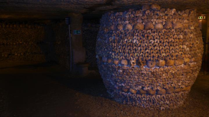 Paris - Catacombes - Le tonneau qui conclue la visite