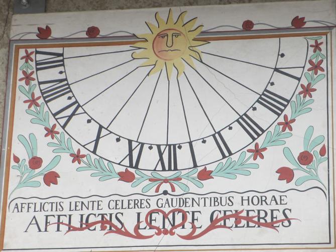 Ancien cadran solaire de la Pérollerie au 96 rue de la treille à Rives