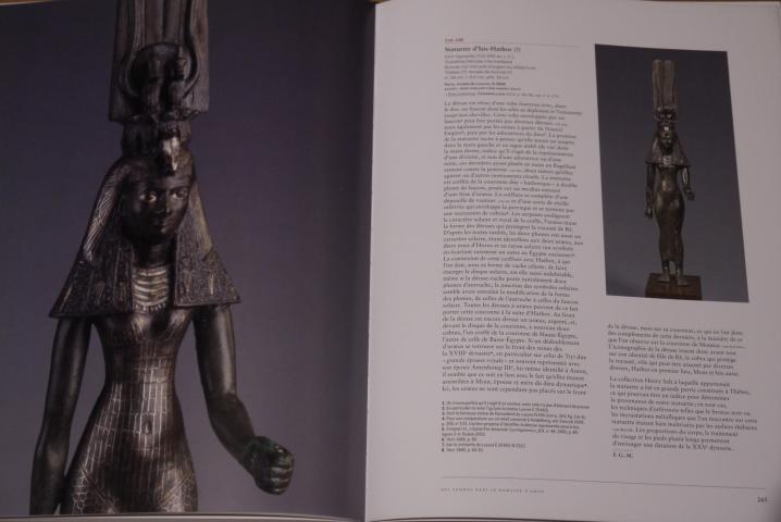 Servir les dieux d'Egypte - Photos tres détaillées de statuettes
