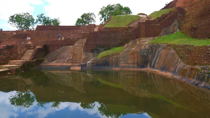 Sri Lanka - Sigiriya - Ruines et bassin