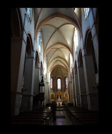 ... des excursions au coeur du groupe évêché-cathédrale...