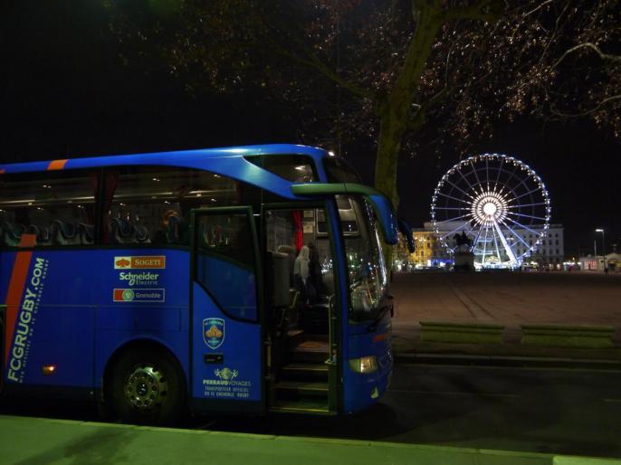 Notre bus au départ de Lyon Place Bellecour