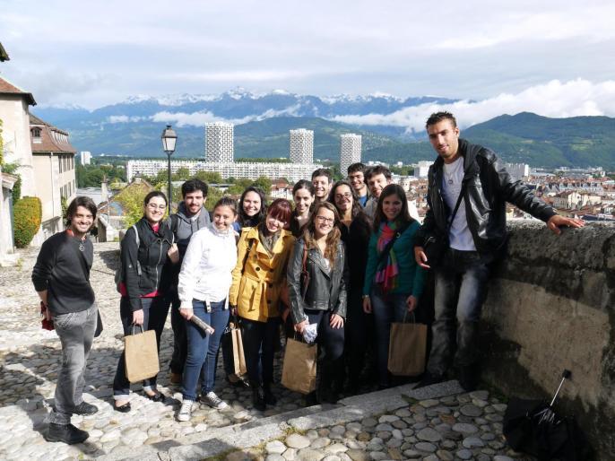 Photo souvenir à la sortie du Musée Dauphinois, avec moi !